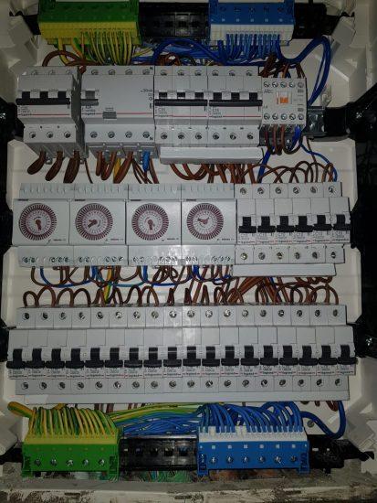 החלפת לוח חשמל עם המקצוענים בתחום